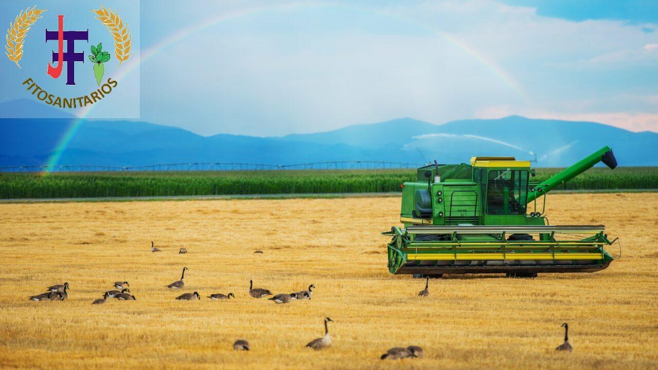 Con los agricultores.